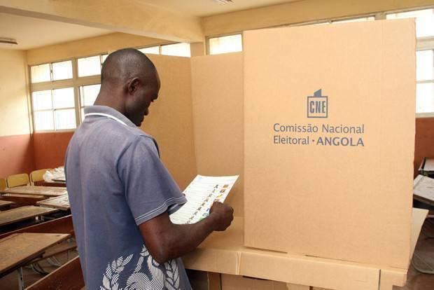 Eleições-003 Partidos Politicos Extintos junta-se a UNITA.jpg