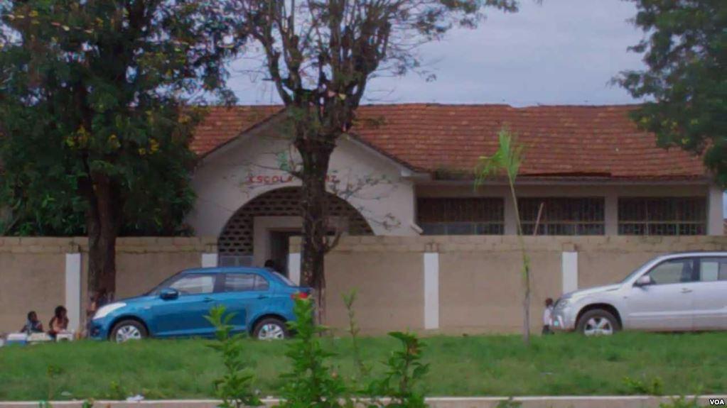Escola em Malanje.jpg